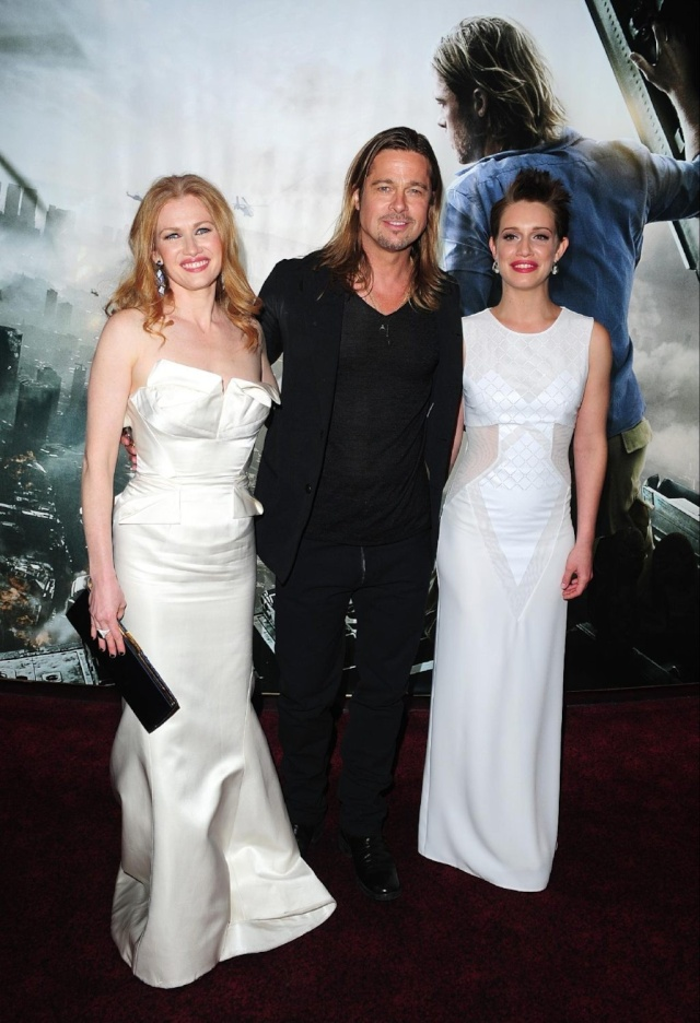 Brad and Angelina at World War Z Premiere..Leicester Square, London..June 2nd, 2013 - Page 4 0410