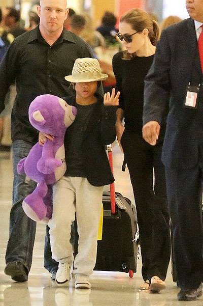 Angelina and Pax JFK airport arrival..New York..June 24th 2013 _5886310