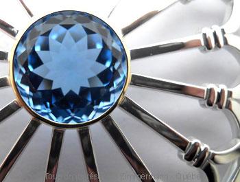 Rosace argent et topaze bleue facettée sertie or Peaf9016
