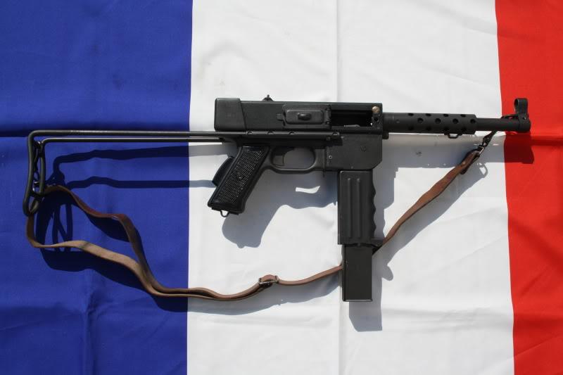 mat 49 (pistolet mitrailleur de l'armée française ) Img_4610