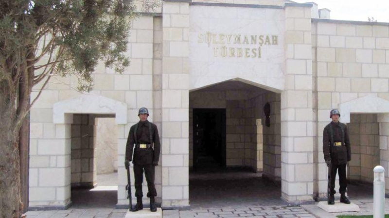 L'armée turque entre en Syrie pour protéger un mausolée  Pho23d10