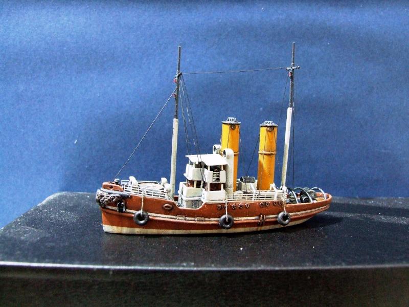 HMS WARSPITE 1942 - Page 4 Dscf3010