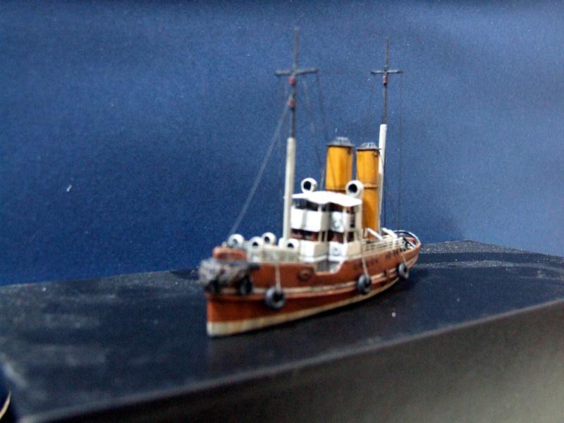 HMS WARSPITE 1942 - Page 4 Dscf3011