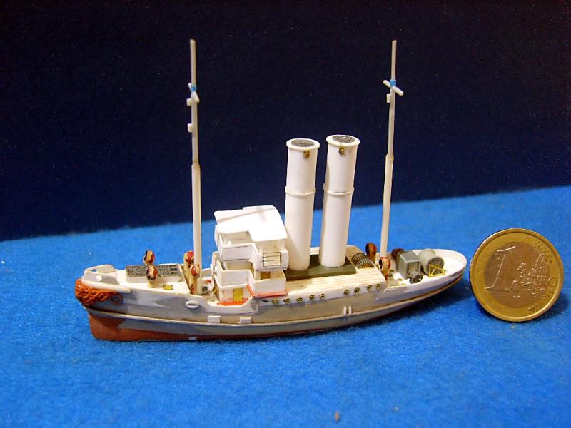 HMS WARSPITE 1942 - Page 3 Sv205612