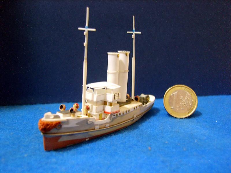 HMS WARSPITE 1942 - Page 3 Sv205613