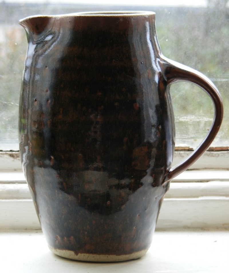 Sylvia Hardaker, Kenilworth Pottery 014-0010