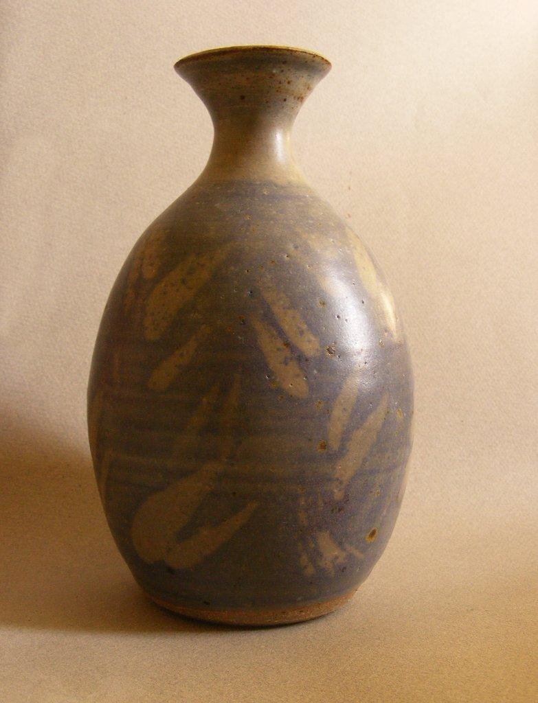 Unmarked stoneware vase 025-0010