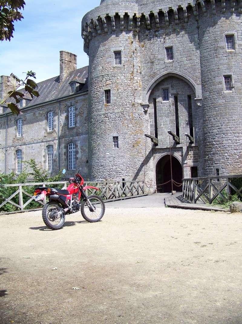 """vote pour le concours(juillet 2010)""""votre Timono au chateau"""" - Page 2 100_2212"""