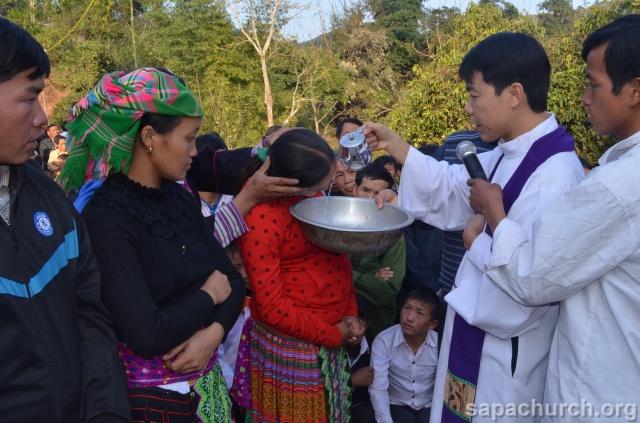 Người Công Giáo H, Mông ở Điên Biên Hmoob Kav Tos liv (Catholic) nyob xeev Dien Bien cob tsib teb Copy-o15