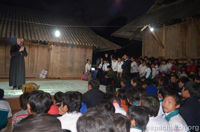 Người Công Giáo H, Mông ở Điên Biên Hmoob Kav Tos liv (Catholic) nyob xeev Dien Bien cob tsib teb Copy-o17