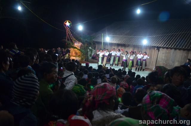 Người Công Giáo H, Mông ở Điên Biên Hmoob Kav Tos liv (Catholic) nyob xeev Dien Bien cob tsib teb Copy-o22