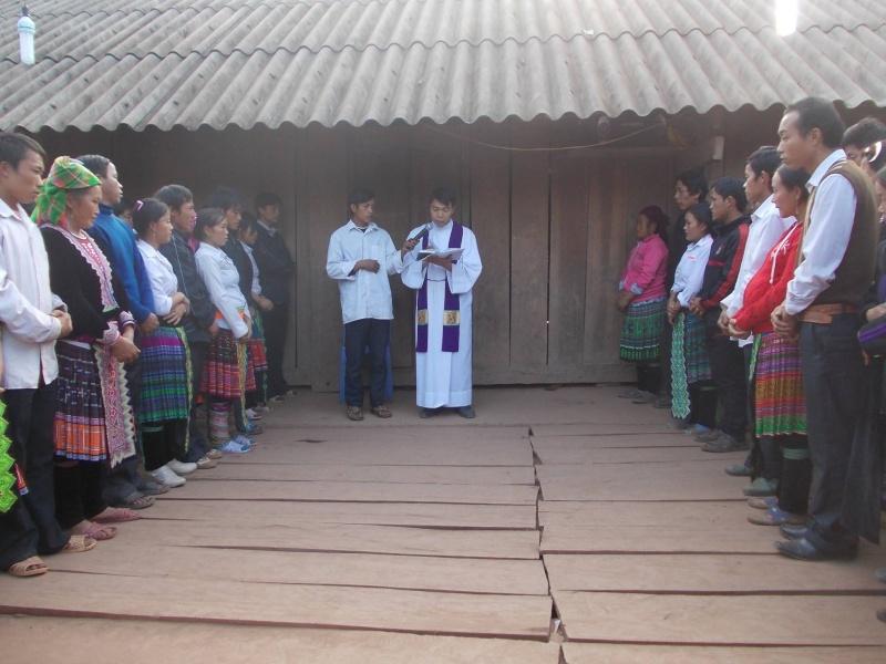 Người Công Giáo H, Mông ở Điên Biên Hmoob Kav Tos liv (Catholic) nyob xeev Dien Bien cob tsib teb Dien_b10