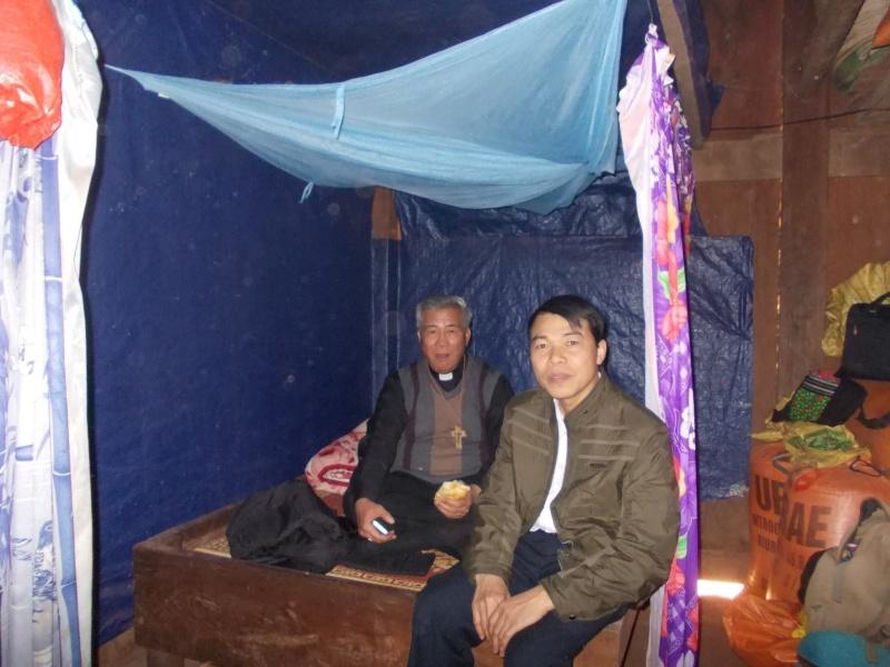 Người Công Giáo H, Mông ở Điên Biên Hmoob Kav Tos liv (Catholic) nyob xeev Dien Bien cob tsib teb Dien_b11