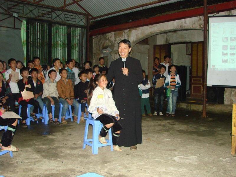 HMOOB CATHOLIC NYOB COB TSIB TEB (Hmong Catholic Vietnam) - Page 6 Sapa210