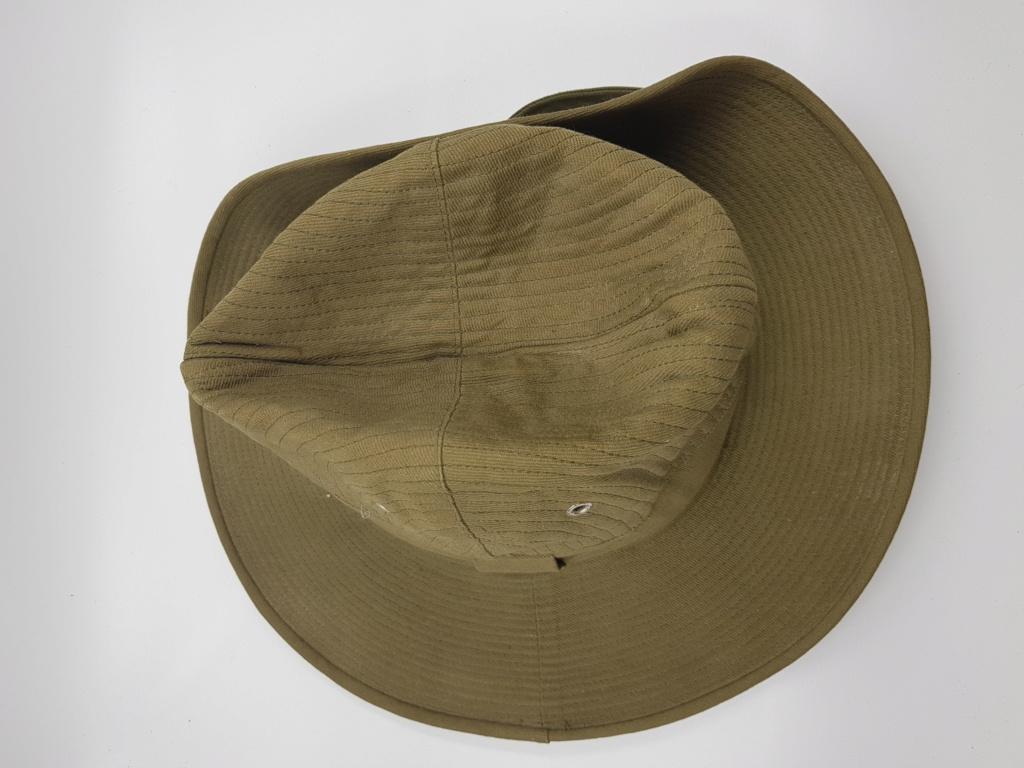 Calot et chapeau de brousse. 20190631