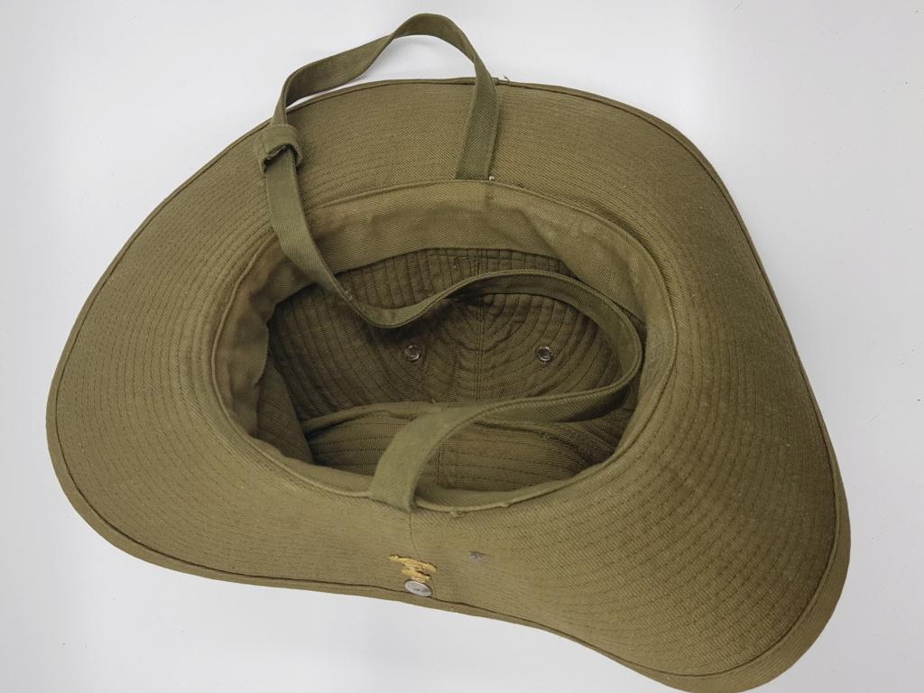 Calot et chapeau de brousse. 20190633