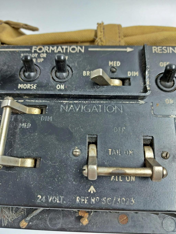 Element de radio anglais ww2??? 333