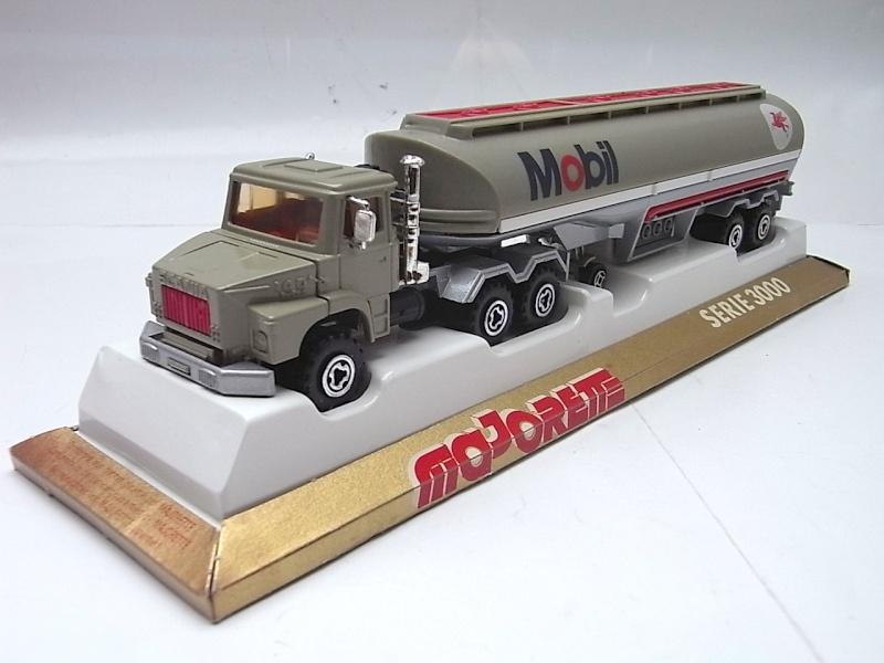 N°3040 Scania Citerne 025a10