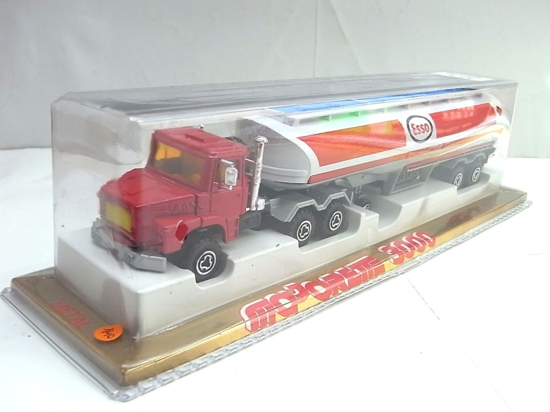 N°3040 Scania Citerne 140a10