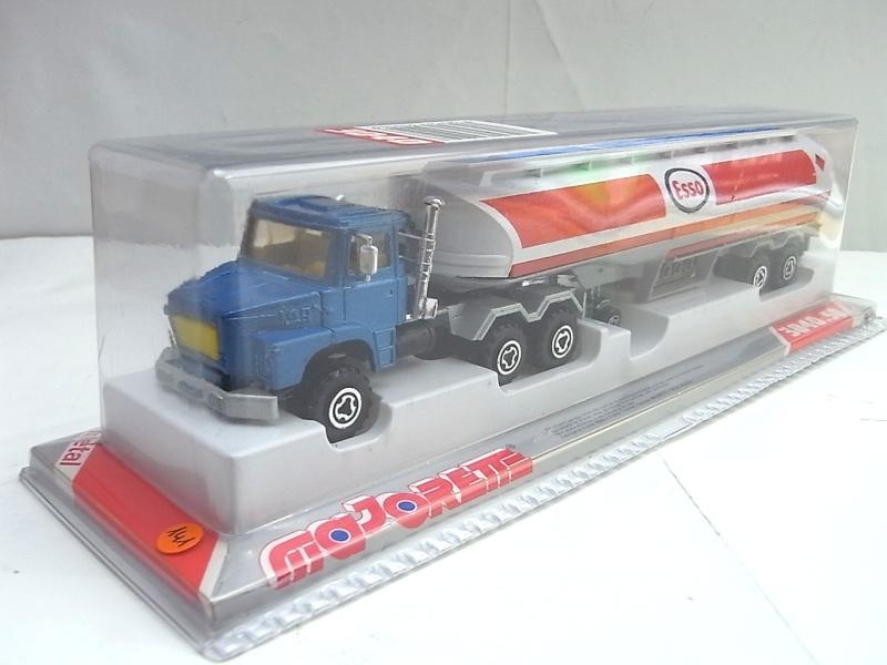 N°3040 Scania Citerne 141a10