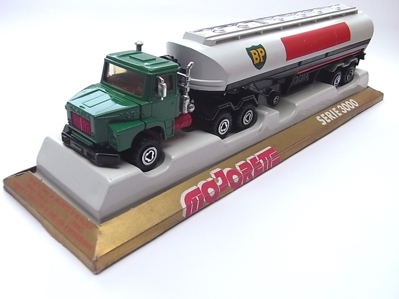 N°3040 Scania Citerne 257a10