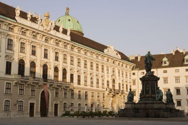 Chateaux  d'Autriche 04b5d310