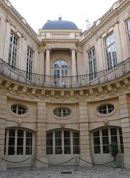 Hotels Particuliers - Paris 437px-10