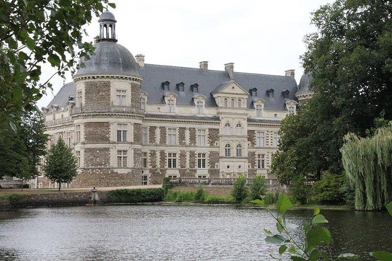 Chateaux de la Loire - Page 2 80088411