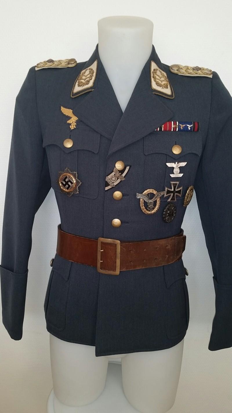 Mon mannequin de Generalleutnant de la Luftwaffe - Page 2 Unif110