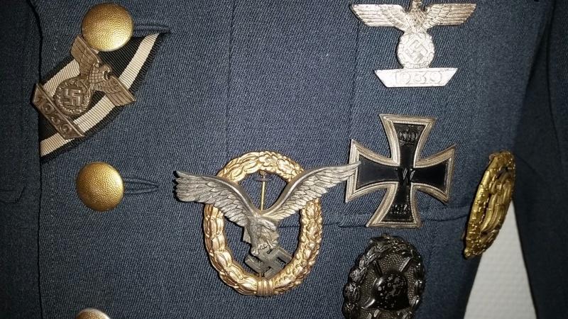 Mon mannequin de Generalleutnant de la Luftwaffe - Page 2 Unif210