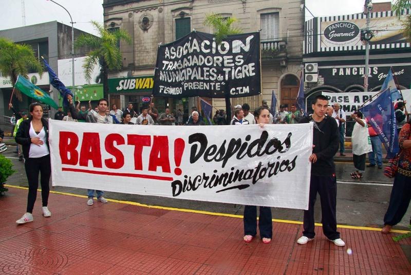 MUNICIPALES DE TIGRE MARCHARON EN RECLAMO POR LOS TRABAJADORES DESPEDIDOS 00122
