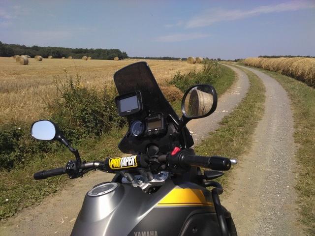 Vos plus belles photos de moto - Page 40 10175211