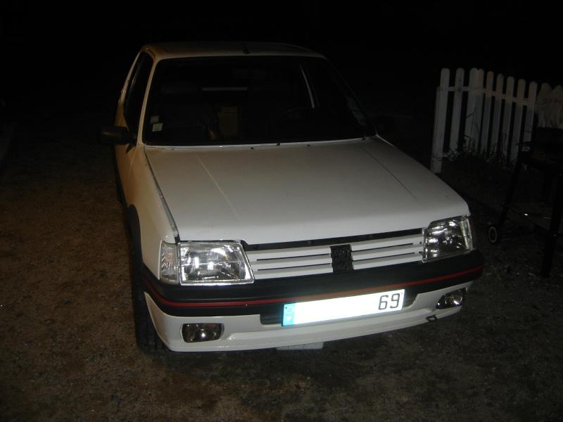 Peugeot 205 GTI 1900 130 CV de 1988 Dsc00419