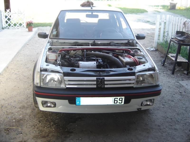 Peugeot 205 GTI 1900 130 CV de 1988 Dsc00423