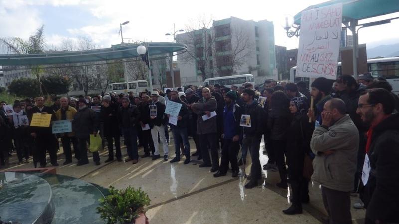 Rassemblement citoyen le samedi 24 janvier 2015 à Bejaia  anti Gaz de Schiste 1148
