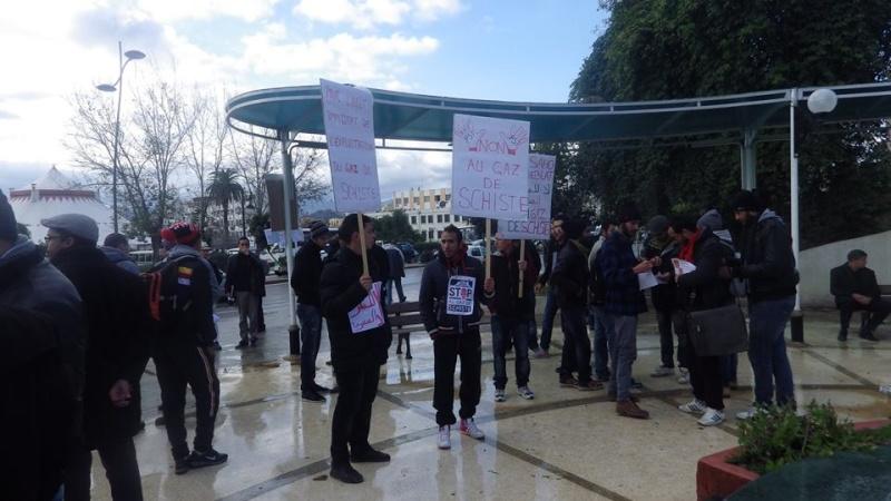 Rassemblement citoyen le samedi 24 janvier 2015 à Bejaia  anti Gaz de Schiste - Page 2 1158