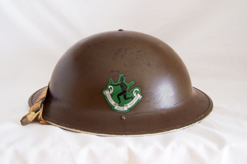 WW II Canadian Helmets Casque10