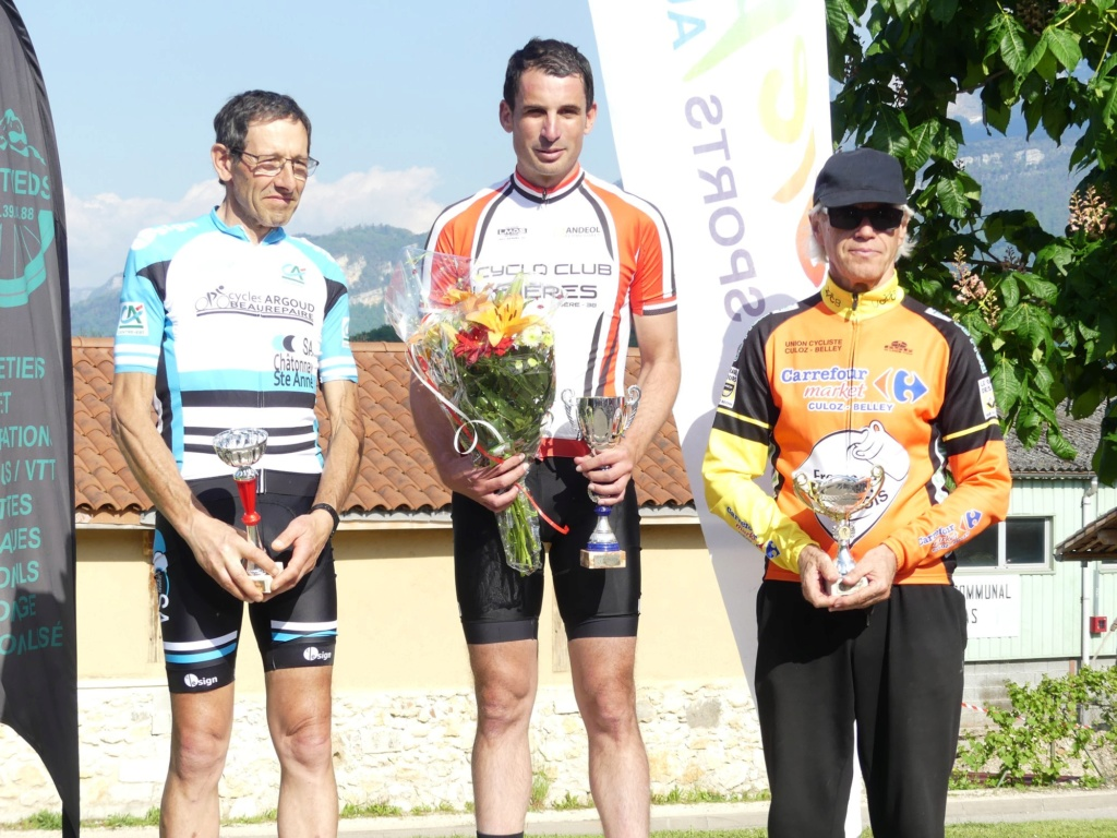 Première sortie des maillots et premier podium à Cras le 1er mai! Podium10