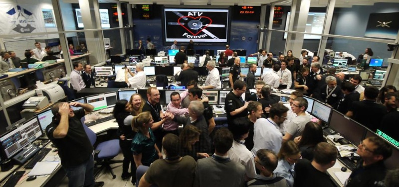 "Lancement Ariane 5 - VA219 / ATV-5 ""Georges Lemaître"" - 29 juillet 2014 - Page 9 0111"