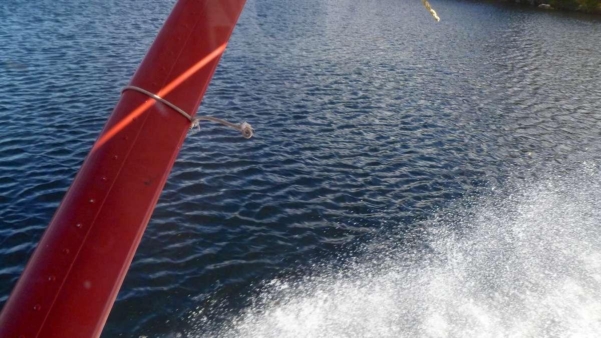 En D.H.C. Beaver au dessus du Québec.  FIN le 05/03/2015 - Page 2 P1030913