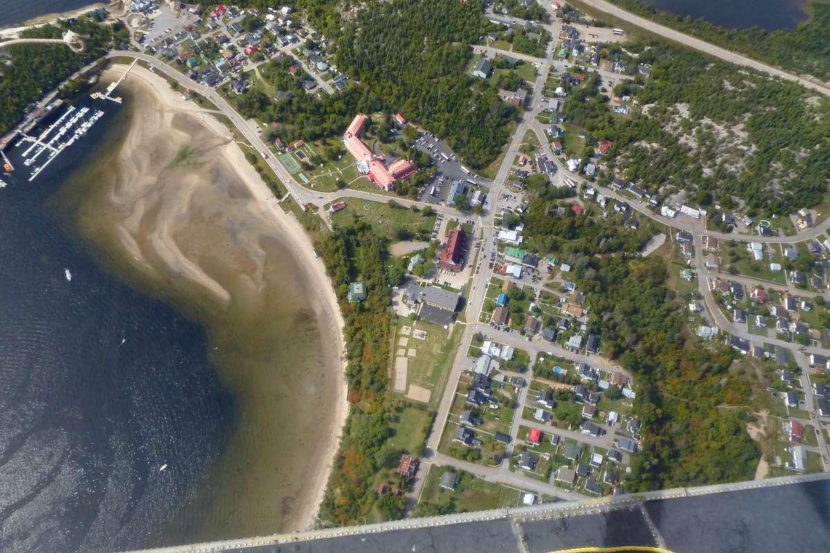 En D.H.C. Beaver au dessus du Québec.  FIN le 05/03/2015 - Page 3 P1030919