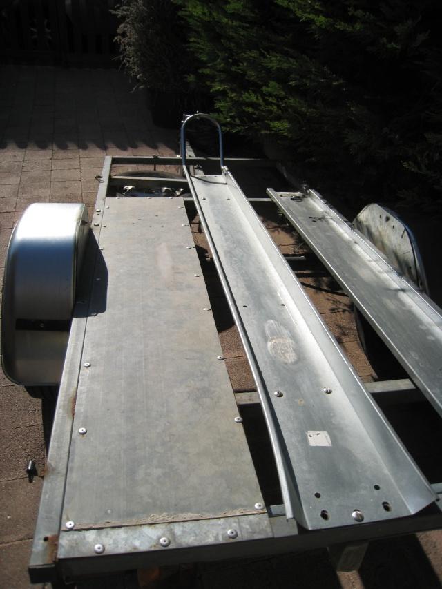 mettre un plancher sur la remorque Img_1710