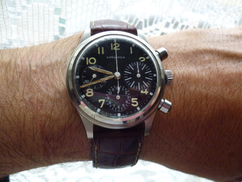 Longines type aviation Chronographes très rares, avec et sans lunette, compteur des minutes et aiguilles différentes des deux versions Longin11