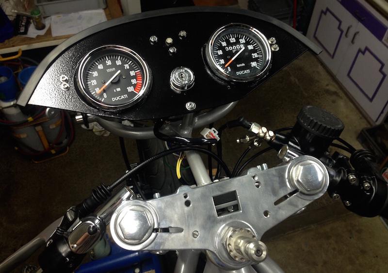 Ducat' 750 et 860 Coniques - Page 2 410