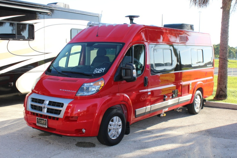 Winnebago Travato: un air de famille Travat10
