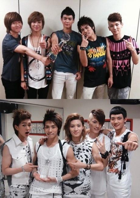 [News] SHINee chụp ảnh với những chiếc cúp của họ  V11