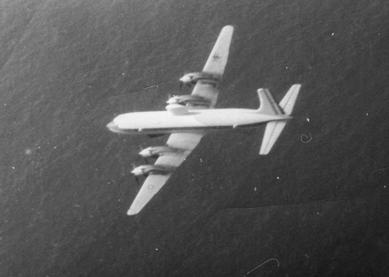 [ Aéronavale divers ] Quel est cet aéronef ? - Page 4 Avion-10