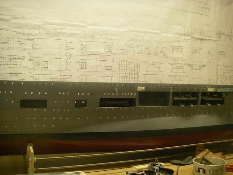 Flugzeugträger Graf Zeppelin 1:100 - Seite 31 Imgp6617