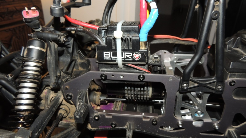 Le Flux HP de Gosraider, Kit différentiel central Alza Racing, Combo Castle Mamba X  - Page 4 Dscn3230