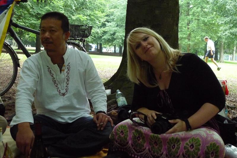 Pique nique entre bouddhistes. P1000312
